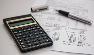One of the best way to save money when moving home is to make a budget plan and to try to stick to it